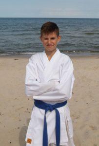 Jakub Piotrowski – 4 Kyu (niebieski pas)